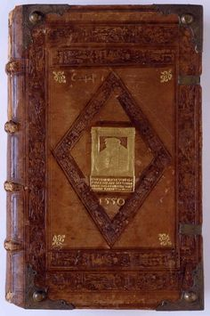 This 1550 binding was made by Jörg Bernhard and is one of the many ostentatious bindings which the Elector Ottheinrich (1502-1559) liked so much. +