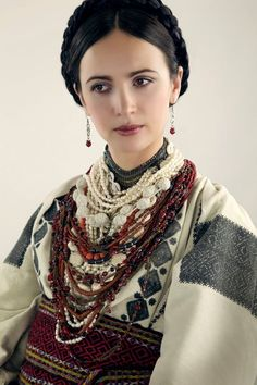 of Vía Ukraine Total Recall. Ukrainian Dress, Ukrainian Art, Folk Fashion, Ethnic Fashion, Traditional Fashion, Traditional Dresses, Ukraine Women, Ethnic Dress, Folk Costume