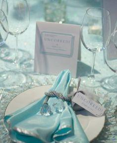 beautiful-icy-blue-winter-wedding-ideas-26