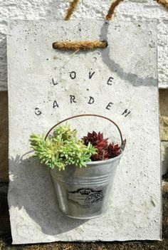 My beton decor.hand made, The Effective Pictures We Offer You About Garden Planters concrete A quality picture You are in the right place about Cement pyssel Cement Art, Concrete Crafts, Concrete Art, Concrete Projects, Concrete Garden, Concrete Design, Concrete Planters, Garden Planters, Garden Art