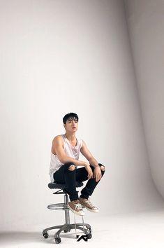 basically everything looks so damn good on him bc he's art Yg Entertainment, Bobby, Ikon Member, Winner Ikon, Koo Jun Hoe, Kim Jinhwan, Ikon Wallpaper, Jay Song, Icons