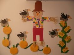 Maro's kindergarten: A colorful Scarecrow with Handprint Ravens Projects For Kids, Crafts For Kids, Arts And Crafts, Autumn Activities, Craft Activities, Thanksgiving Crafts, Fall Crafts, Kids Daycare, Daycare Ideas