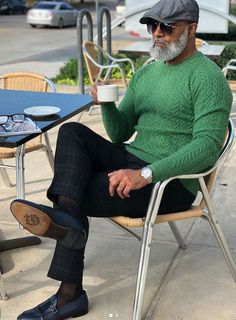 I know it's an article referring to men in their but these tips are so good they also work for men in their mens fashion style men menswear daily over 50 Dress Well hair Fashion For Men Over 50, Older Mens Fashion, Men Fashion, Black Men Winter Fashion, Mens Fashion 40 Year Old, Clothes For Men Over 50, Stylish Men Over 50, Style Fashion, Fashion Menswear