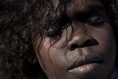 Aboriginal Australia by Amy Toensing Aboriginal People, Aboriginal Art, Beautiful Children, Beautiful People, Illustration Girl, Girl Illustrations, Face Photography, Famous Photographers, Types Of Art