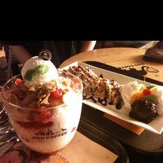 Strawberry 빙수 + waffles