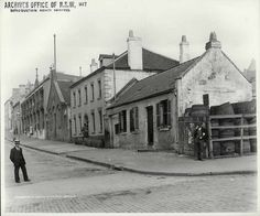 Harrington Street looking south from Argyle Street, The Rocks, Sydney 1901 The Rocks Sydney, Argyle Street, Australian Photography, Harbor City, Sydney City, Australian Architecture, Old Farm Houses, Cool Countries, Historical Pictures