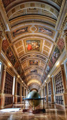 Library at Chateau de Fontainebleau   por Randy Durrum  OMGOSH GUYS IT's THE ACTUAL LIBRARY!!!!!!