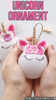 Unicorn Ornaments,Kids Crafts UNICORN ORNAMENTS – these unicorn ornaments are so easy to make! You can make them in all different colors too and kids will love helping to make them or receiving them for Christmas to hang on the tree. Kids Crafts, Christmas Crafts For Kids, Jar Crafts, Bottle Crafts, Diy Crafts Videos, Holiday Crafts, Diy And Crafts, Diy Videos, Kids Diy