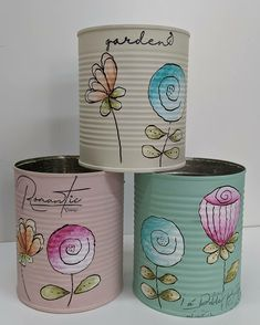 Aluminum Can Crafts, Tin Can Crafts, Fun Crafts, Diy And Crafts, Arts And Crafts, Paper Crafts, Painted Flower Pots, Painted Pots, Indoor Crafts