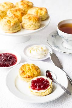 Scones with jam and cream is one of them. Light and dainty english scones are sophisticated, yet unbelievably easy to make. It's practically impossible to mess up. Tea Recipes, Breakfast Recipes, Cooking Recipes, Dessert Recipes, Scone Recipes, English Food Recipes, Tea Scones Recipe, Easy Desserts, Desert Recipes