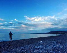 #devon #devonlife #eastdevon #visitdevon #visiteastdevon #swisbest #thedevonnetwork #seaside #beach #beachwalk #beachlife #pebblebeach #budleigh #budleighsalterton #budleighbeach #sea #fishing #bluesea #blue #sunset #fisherman #dusk #montereylocals #pebblebeachlocals - posted by Laura Waddell https://www.instagram.com/lorzwaddell - See more of Pebble Beach at http://pebblebeachlocals.com/
