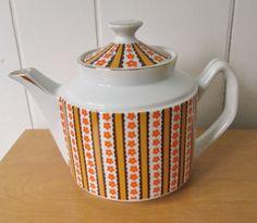 vintage retro mod tea pot