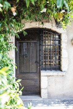 Country Farmhouse Decor, French Country Decorating, Picasso, Provence, Most Famous Poems, French Villa, Home Still, French History, Boutique Homes