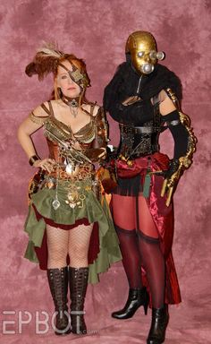 decorated steam pirate lady and golden masked mystery at dragoncon 2011