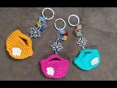 Cómo tejer bolsas o carteras en miniatura para llaveros - ENGLISH SUBTITLES - YouTube