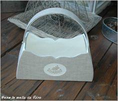 J'ai cartonnage.                 Le sac à mug réalisépar Josiane.            La valisette réalisée par Josiane          ...
