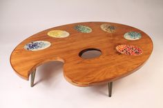 Check out this coffee table! A nice wedding present for mon petite Monet? :)