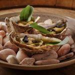 Grilovaná La Perle Blanche, salicorne máslo, ančovičky // Grilled La Perle Blanche, seaweed butter, anchovies