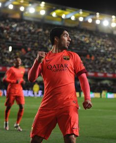 Luis Suarez Daz of FC Barcelona celebrates after scoring his team's 2nd goal during the Copa del Rey Semi-Final, Second Leg match between Villarreal CF and Barcelona at El Madrigal stadium on March 4, 2015 in Villarreal, Spain.