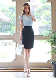Korean Fashion – How to Dress up Korean Style – Designer Fashion Tips Work Fashion, Asian Fashion, Fashion Looks, Fashion Outfits, Womens Fashion, Fashion Design, Asian Woman, Asian Girl, Tulip Sleeve