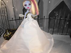 White and Gold Gown for Monster High Dolls by FreakGearbyHM, $15.95