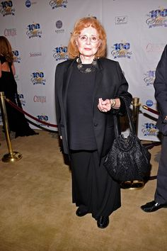 Piper Laurie Photo - Norby Walters' 22nd Annual Night Of 100 Stars Oscar Viewing Gala Piper Laurie, Off The Shoulder, Shoulder Dress, Fishnet Stockings, American Actress, Punk, Actresses, Stars, Night