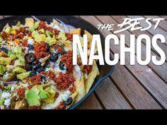 The Best Nachos Recipe Mexican Food Recipes, New Recipes, Favorite Recipes, Easy Dinner Recipes, Easy Meals, Dinner Ideas, Best Nacho Recipe, Homemade Nachos, Homemade Cheese Sauce