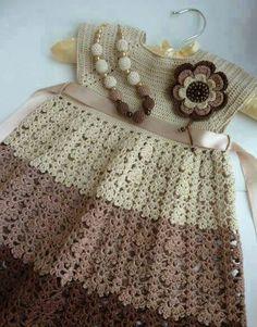 Tığ işi Bebek elbise modeli