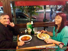Domingo de Pascua festejando en Lo de Carlitos Castelar   Ituzaingo Gracias amigos por compartir con nosotros unas lindas pascuas