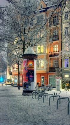 Snowy Night, Hamburg, Germany