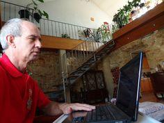 http://youtu.be/uPJcZX9k3-Q Ouve a opinião de Rita Cerejo sobre quem sou aqui a trabalhar com a internet. http://carlosvirginia.com/f1lppt1&ad=fac010215