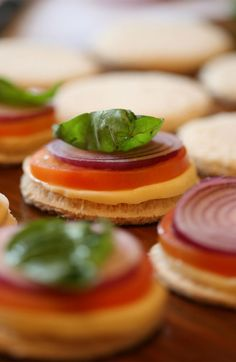 A braai classic: braaibroodjies - Yuppiechef Mozzarella, red onion, tomato and basil leaf on a a piece of circle cut out bread. Creative Snacks, Gourmet Sandwiches, Golden Crust, Good Food, Yummy Food, Backyard Bbq, Olive Oil, Layering, Foodies