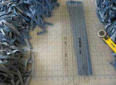 Weaving a Rag Rug from Jeans - #weaving #rag Weaving - how » Summerandwinterweaving.com - Handwovens