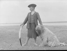 From Hortobágy, NHA Hungarian Dog, Austro Hungarian, Old Photos, Vintage Photos, Strange History, Lineage, Folk Fashion, Folk Music, Budapest Hungary