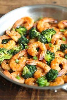 Sauté de crevettes et de brocoli...un repas de moins de 300 calories ! - Recettes - Recettes simples et géniales! - Ma Fourchette - Délicieuses recettes de cuisine, astuces culinaires et plus encore!