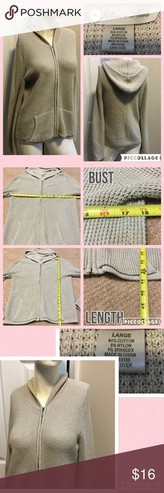 👄Jillian Nicole Cardigan Measurements are in photos. Normal wash wear, no flaws. A3/23  Ask about a bundle discount on all items that are not ⏰Flash Sale items! I ship everyday. I always package safely. If I run out of boxes, I will use priority bags over a polymailer bag. If you prefer to only receive this great item in a box, please let me know! Thanks! Jillian Nicole  Sweaters Cardigans