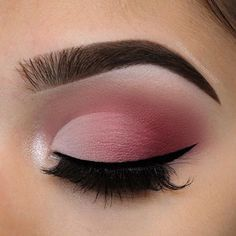 """Valentine's Day faded cut crease using @anastasiabeverlyhills modern renaissance palette Brows: @anastasiabeverlyhills • Brow wiz in """"Ebony"""" Eyes: @anastasiabeverlyhills • modern renaissance palette (Vermeer on the inner corner, buon fresco and Love letter in the crease, and Venetian red blended into the outer corner) and ABH single shadow in """"baby cakes"""" on the first half of the lid Lashes: /luxylash/ in """"Keep it 100"""" use code """"CHELSEA"""" for 20% off Used @anastasiabeverlyhills brushes A."""