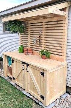 (Or backyard bar?)Shed DIY - DIY Potting Bench with Hidden Garbage Can Enclosure! Reality Daydream Now You Can Build ANY Shed In A Weekend Even If You've Zero Woodworking Experience! Outdoor Decor, Diy Outdoor, Cozy Backyard, Potting Station, Building A Shed, Woodworking Projects Diy, Diy Shed Plans, Diy Bench Outdoor, Outdoor Kitchen