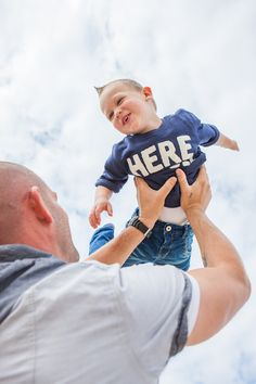 Happy flying boy - Yvonne Palsgraaf Fotografie