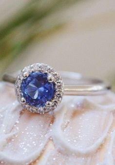 Stunning Halo Ring ❤︎