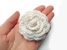 Free Printable Crochet Rose Patterns | Cream crochet flower brooch