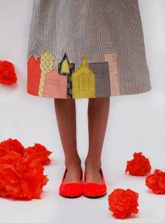 DIY city skirt or dress applique. Comes with applique pattern. Applique Skirt, Raw Edge Applique, Applique Fabric, Machine Applique, Diy Clothing, Sewing Clothes, Barbie Clothes, Tutorial Applique, Smocking Tutorial