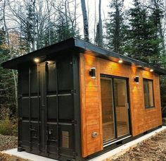 Looking for affordable shipping container homes? From shipping container homes cost to health & safety issues, find out all you should know if you want one. Container Shop, Storage Container Homes, Building A Container Home, Container Buildings, Cargo Container, Sea Can Homes, Shipping Container Homes Cost, Shipping Container Conversions, Shipping Containers