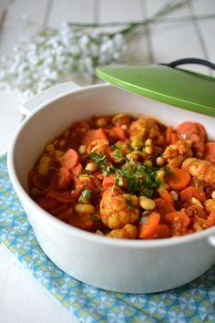 Ragoût de légumes aux épices douces, pois chiches et noix de cajou // Chickpea, cashew nut & vegetable stew with soft spices http://www.lesrecettesdejuliette.fr