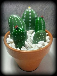 Surprising Plants Indoor Low Light Ideas Portentous Useful Ideas: Artificial Plants Living Room Pots artificial plants herbs.Artificial Plants Diy Home Decor. Cactus Rock, Painted Rock Cactus, Painted Rocks, Cactus Painting, Pebble Painting, Pebble Art, Painting Art, Stone Crafts, Rock Crafts