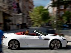Aston Martin V12 Vantage Roadster Officially Unveiled