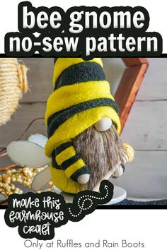 Such a fun and easy way to bring a bit of farmhouse charm to your decor, this no-sew gnome pattern for a bee gnome is so CUTE! You can make this easy gnome in just 30 minutes and those WINGS! Snag the tutorial and no-sew gnome pattern here! Scandinavian Gnomes, Scandinavian Christmas, Adult Crafts, Diy Crafts, Gnome Tutorial, Diy Wings, Gnome Hat, Christmas Gnome, Farmhouse Decor