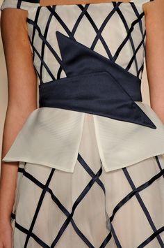 Detalhes // Acquastudio por Esther Bauman, SPFW, Verão 2014 RTW // Foto 34 // Desfiles // FFW Studio, Skirts, Fashion, Pictures, Moda, Fashion Styles, Studios, Skirt