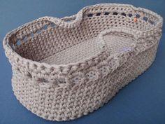 ideas crochet rug zpagetti free pattern for 2019 Crochet Shell Stitch, Crochet Yarn, Free Crochet, Baby Moses, Crochet Basket Pattern, Crochet Patterns, Crochet Baby Dress Free Pattern, Sweater Patterns, Afghan Patterns