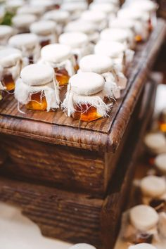 Love the presentation of these rustic wedding favors! Who wouldn't love a jar of homemade honey? {Mary Margaret Smith Photography}